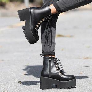 🆕 Dolls Kill Black Platform Boots